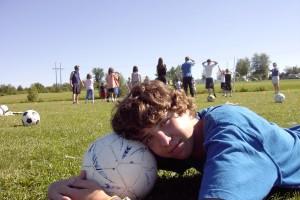 NIños y deporte en verano con Uniformas